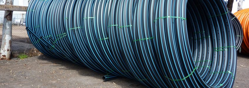 Tied water pipe for installation